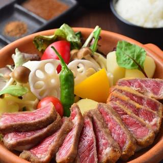 お昼は牛タン&牛カツ専門店!ロービー丼、肉チゲランチも有り!