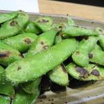 炭火炙り焼と地酒 いぶしぎん - 枝豆の炙り