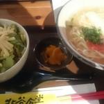 北谷食堂 - 沖縄すば+ミニタコライス。