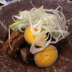 65391472 - 豚の角煮と卵と大根