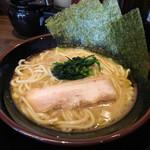 壱楽家 - 豚骨醤油ラーメン 300円 (通常680円)