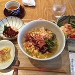 65393353 - 春キャベツと桜海老の温麺(花椒麺)セット、ザーサイの和え物、よだれ鶏
