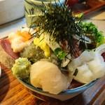 65393476 - 同行者の海鮮丼(17-04)