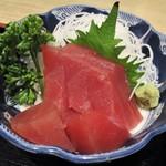 きしめん亭 - きしめん定食 1,050円(税込)の 刺身。  2017.04.12