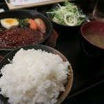 居酒屋明石 - 日替り定食(ハンバーグ)750円(ライス大盛り)