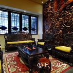 萬珍樓 - 芸術的な調度品にふれながら食事を楽しむ、という贅沢