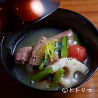 ラ・ボンバンス - 牛肉と根野菜をたっぷり使い、治部煮風に