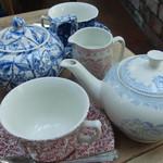サクラマナーハウス ティールーム - アンティーク食器で頂く紅茶