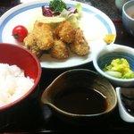 漁楽洞 - 大粒のカキフライ定食