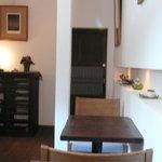 芝町カフェ - とてもシックで居心地の良い空間です