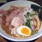 らー麺や-与- - 料理写真:【鶏がらベース醤油らー麺 + 半熟味玉1/2】¥800 + ¥50