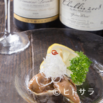 牡蠣屋 - グラスワインをはじめ、牡蠣料理によく合うお酒も種類豊富