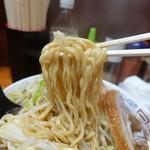 ラーメン二郎 - 太麺モチモチリフト