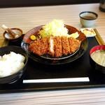 とんかつ かつ祭 - ロースカツ定食150g850円(税込918円)