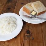 ハンバーグレストラン BOSTON - ライス・パン(平日ランチは無料で付いて来ます)ライスはおかわり自由!