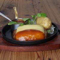 ハンバーグレストラン BOSTON - チーズ焼きハンバーグ