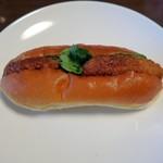 マルジューベーカリー - コロッケパン¥95