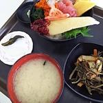 65422991 - 海鮮丼  800円
