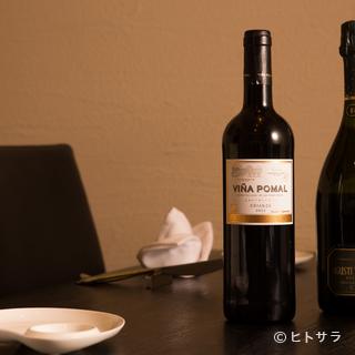 バラエティに富んだスペインワインが約2000本