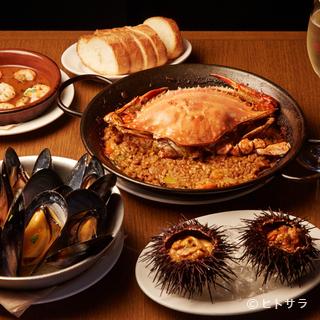 スペイン全土に点在する多彩なバル料理を、魚介に的を絞って展開