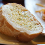 ポチ屋cafe - ガーリックバターのフランスパン(2017.4.13)