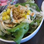 ビストロ耕地中 - ランチコースのサラダ
