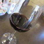 ビストロ耕地中 - ランチコースの飲み物 赤ワインをセレクト