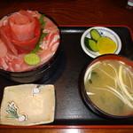 まるよ - 鉄華丼(1850円)