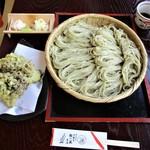 蕎麦処つゆ下梅の花 - 料理写真:蕎麦五合と舞茸天ぷら