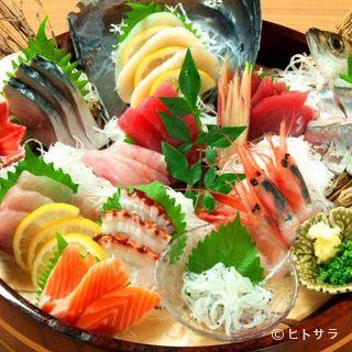 歓送迎会にも最適。色鮮やかな『魚游盛り』が席に彩りを添えます