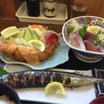 65432345 - おまかせ定食おかず(海老フライ、秋刀魚塩焼き、刺身盛り)