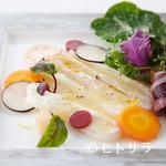 パッソ・ア・パッソ - 青森直送の鮮魚を使った『アイナメと春野菜のサラダ』