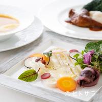 パッソ・ア・パッソ - 季節感に溢れる料理で、肩肘張らない大人のデートを