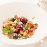 フランス料理 ラノー・ドール - 季節のフルーツとサバイヨンのキャラメリゼ