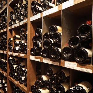 名シャトーのビンテージを揃えたワインコレクション