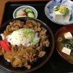 おぬま食堂 - 料理写真:まごころ豚丼 ¥600