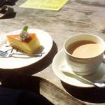 シャーレ水ヶ浜 - マイレビ様ご注文のチーズケーキとカフェオレ