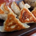 65449006 - 燻製海鮮餃子