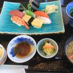 宮寿司 - にぎりランチ