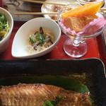 小魚阿も珍 - 酢の物小鉢とデザート