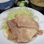 伊勢屋食堂 - 定番メニュー 豚バラ焼き定食 700円