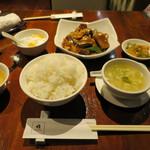 パンダ レストラン - 揚げ豆腐と豚肉の辛子煮 ※週替わりのランチメニュー