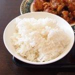 開花 香港海鮮バル - 油淋鶏&揚げ玉子特製ソース 2100円 のライス