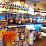Okinawambamamiana - 店内のカウンター席の風景です