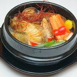 マカオ料理&アジアン居酒屋 ラザロ - メウンタン(韓国料理の魚介の辛い鍋)です!