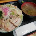 みなと市場 小松鮪専門店 - 「大トロあぶり丼」