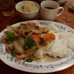 65463955 - 「フォーボー」「鶏肉と野菜のオイスターソース炒め」「青パパイヤのサラダ」