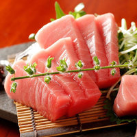 白金魚食堂 - 生マグロ刺し