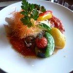 カナヤ - メイン(豚肩ロース肉のグリル モッツァレラチーズ焼き トマトソース)
