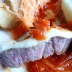 カナヤ - 豚肩ロース肉のグリル モッツァレラチーズ焼き トマトソース